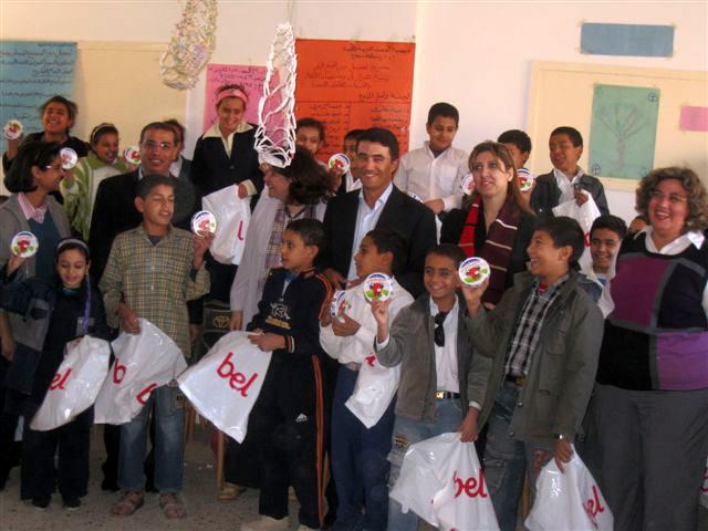 Visite du directeur de Bel Egypte et son équipe à l'école de KOM GHARIB