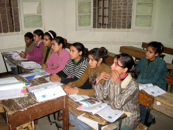 Cours d'alphabétisation à Kom Gharib (Sohag)